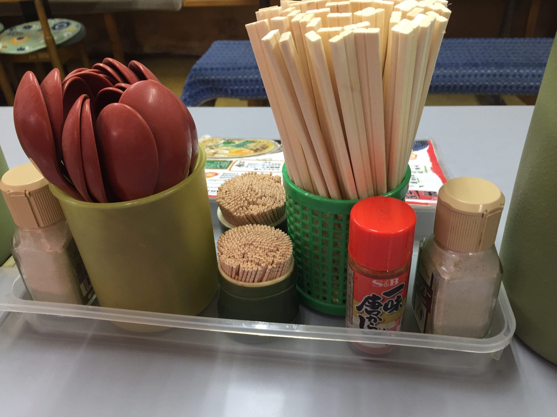 まゆみの店 高知県須崎市 鍋焼きラーメン 味変 調味料