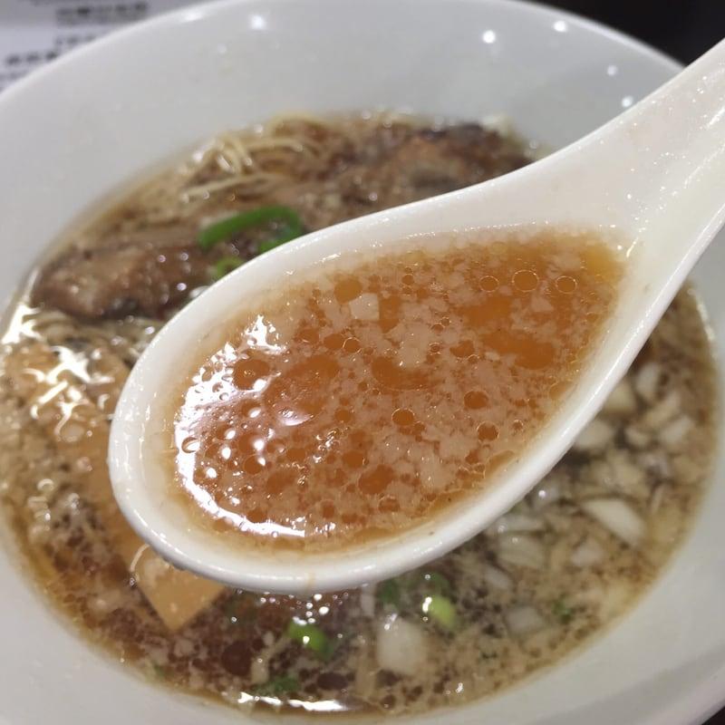 打ち立て中華そば 自家製麺5102 秋田市保戸野 豚中華そば スープ