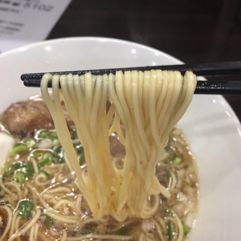打ち立て中華そば 自家製麺5102 秋田市保戸野 豚中華そば 麺