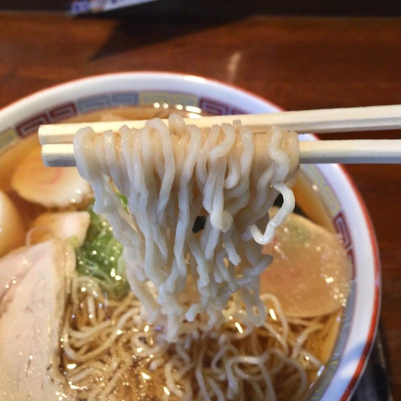 支那そば伊藤 秋田市中通 中華そば しょうゆ 十文字ラーメン 麺