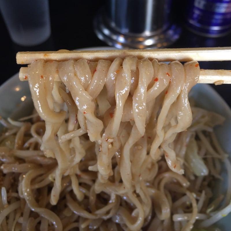 ラーメン マシンガン 秋田市広面 まぜそばヤキニク 麺