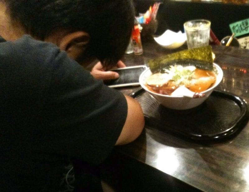 飲み処andキッチン ほのじぐみ 秋田市南通 ハマちゃんラーメン(鶏ガラだし) 辛味 江戸系