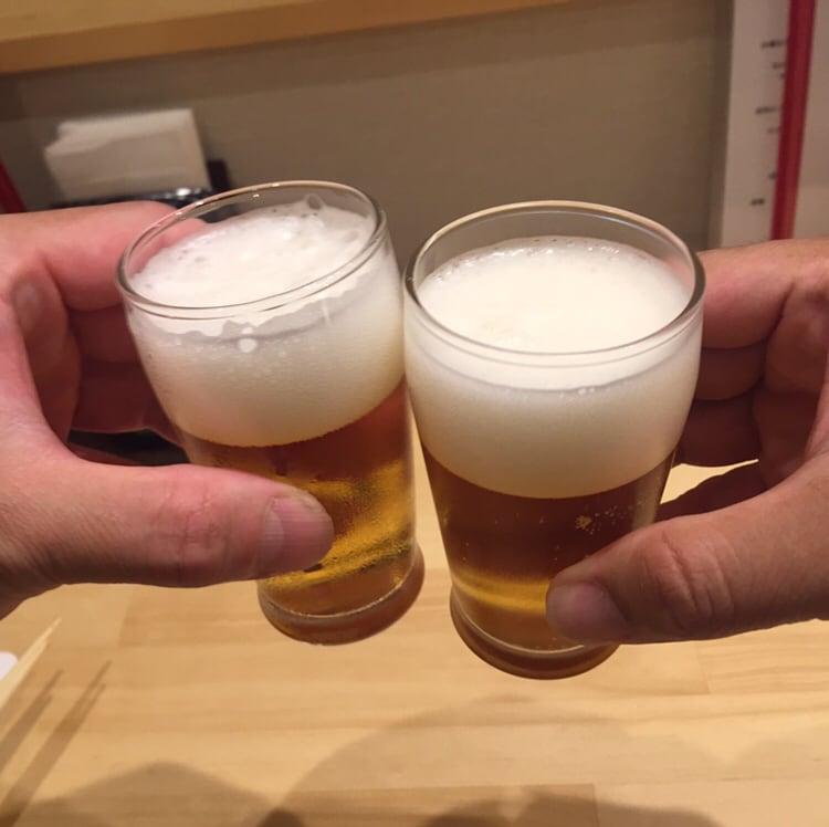 横田屋まさ 秋田市大町 ビール 乾杯