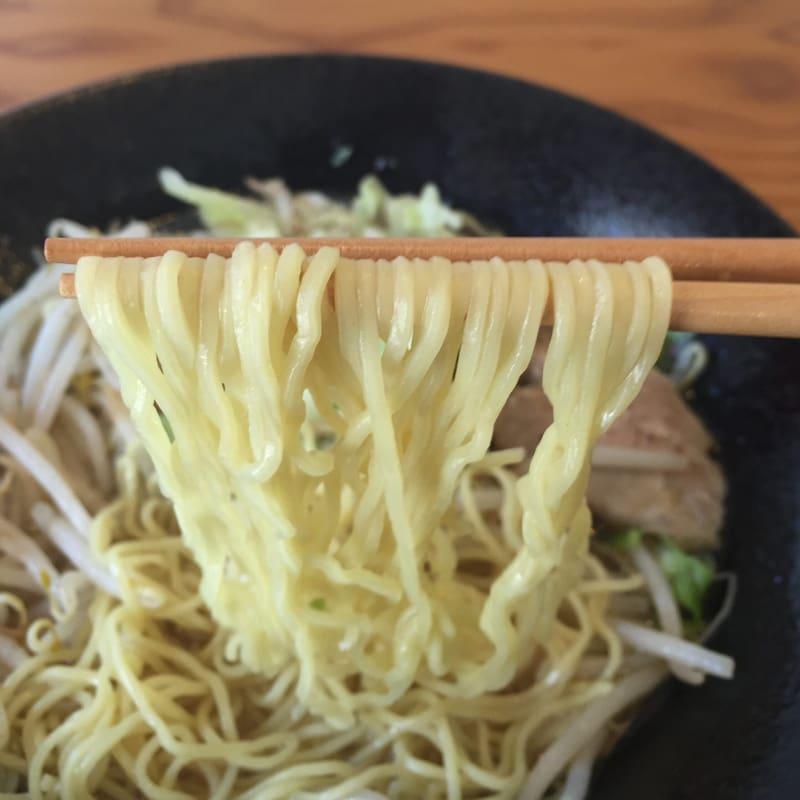 中華料理 王道楼 秋田市茨島 スタミナラーメン 麺
