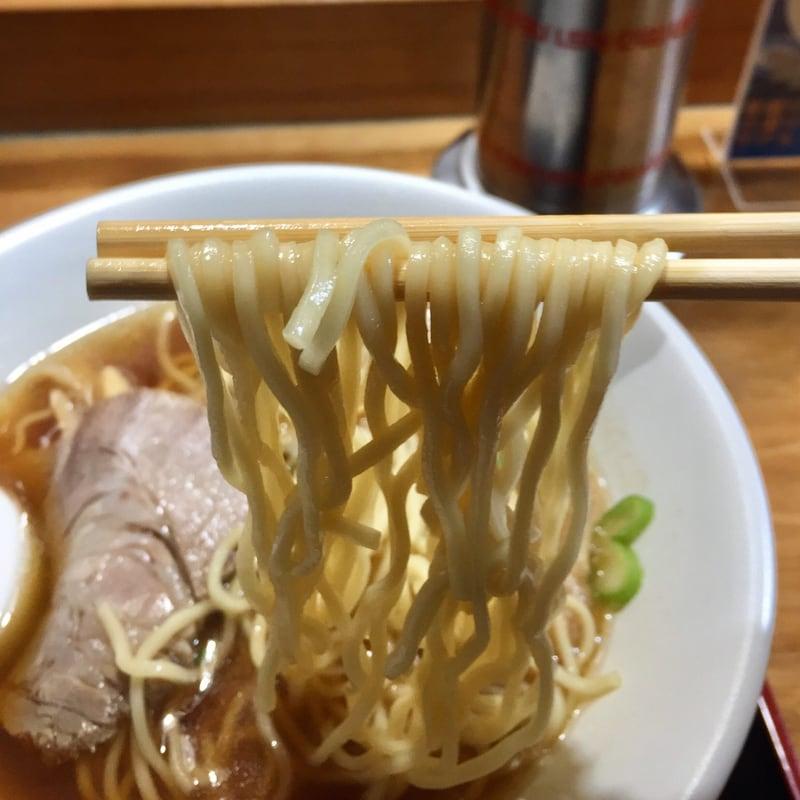 ほめられてのびる店 新川栄太郎 秋田県横手市 あっさり中華そば 麺