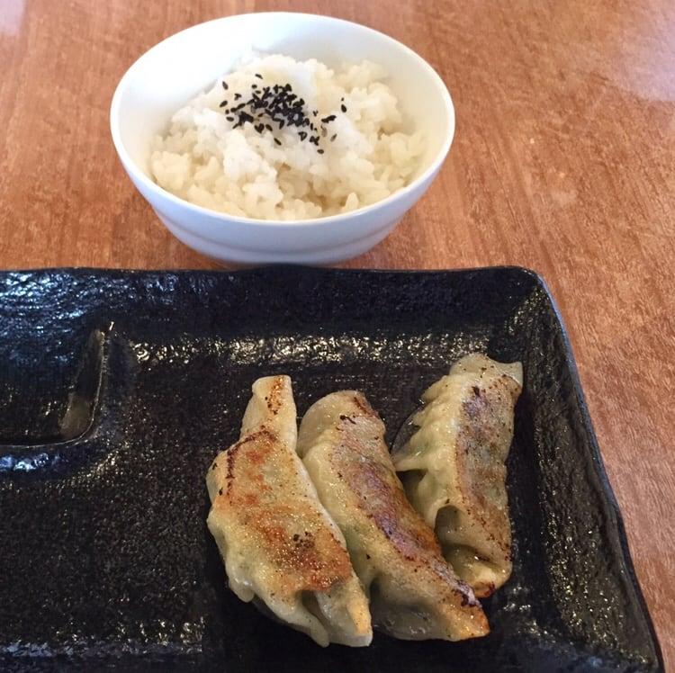 濃厚鶏ガラ 中華そば 東一(あずまいち) 秋田市東通 ライス 餃子
