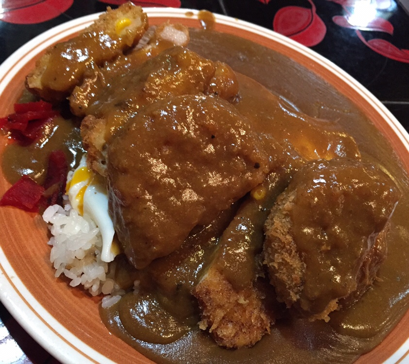 Curry House BOO(カレーハウス・ブー) 秋田市下新城 カツカレー コロッケ エッグ
