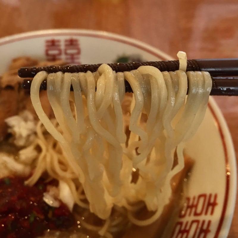 濃厚鶏ガラ 中華そば 東一(あずまいち) 秋田市東通 辛味中華そば 麺