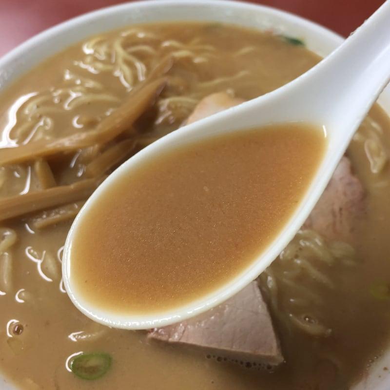ホームラン亭 パルム店 長野県須坂市 豚骨ラーメン ラーメン スープ