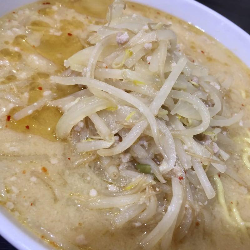 食堂ニューミサ 新潟県上越市 みそラーメン 半麺 味噌ラーメン 具