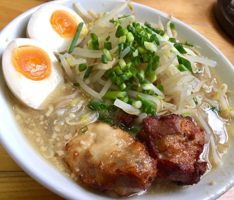 濃厚鶏白湯らーめん 麺屋 一布(いっぷ) 秋田県横手市 鶏二郎 具