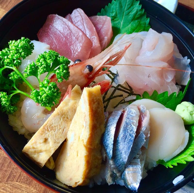 ドライバーレストラン海 秋田県山本郡八峰町八森 海鮮おまかせ丼