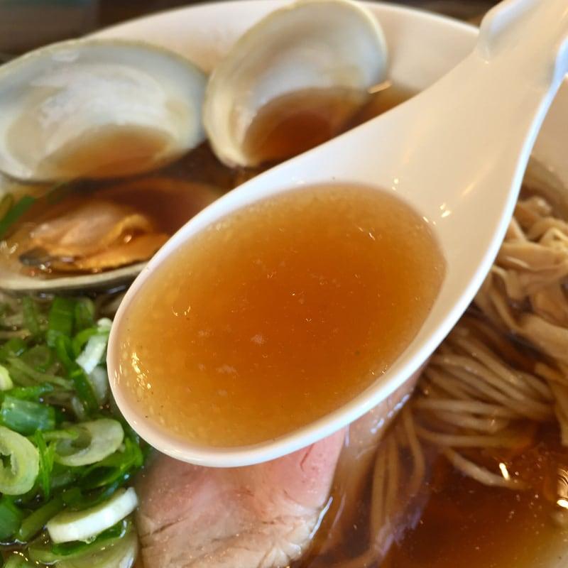 ラゥメン大地 秋田市東通 醤油らぅめん 醤油ラーメン スープ