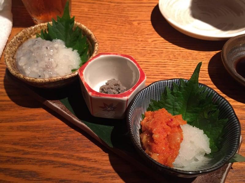 小さなくらのすけ 東京都中央区銀座 珍味3種盛り(生シラスの塩辛、鮎うるか、からすみチャンジャ)