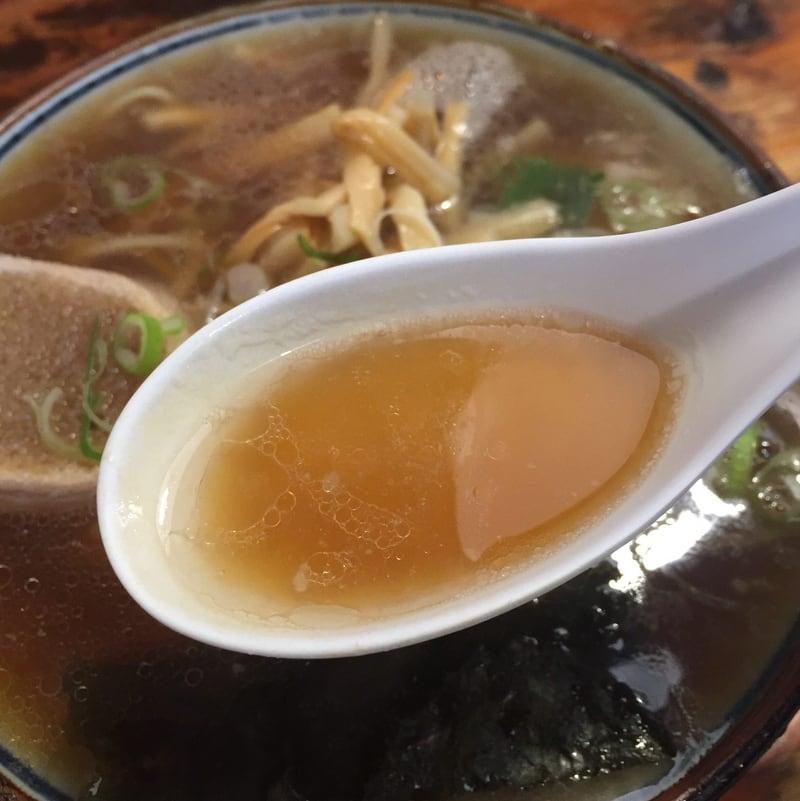 長寿軒のラーメン 秋田県湯沢市 秋田ご当地 油田系ラーメン スープ