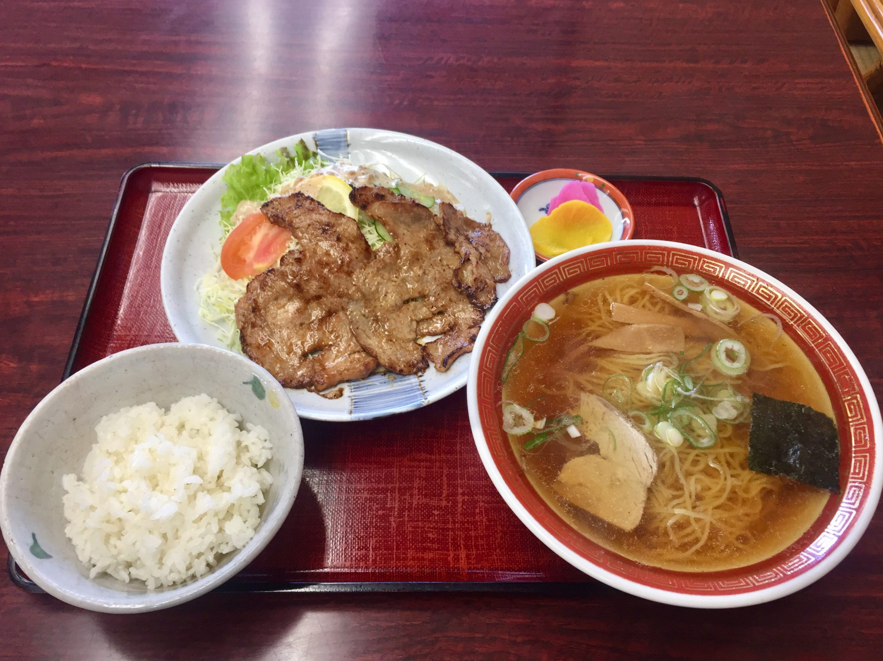 めし寿楽 寿楽食堂 秋田県由利本荘市 Dセット ラーメン+焼肉+ライス 中華そば