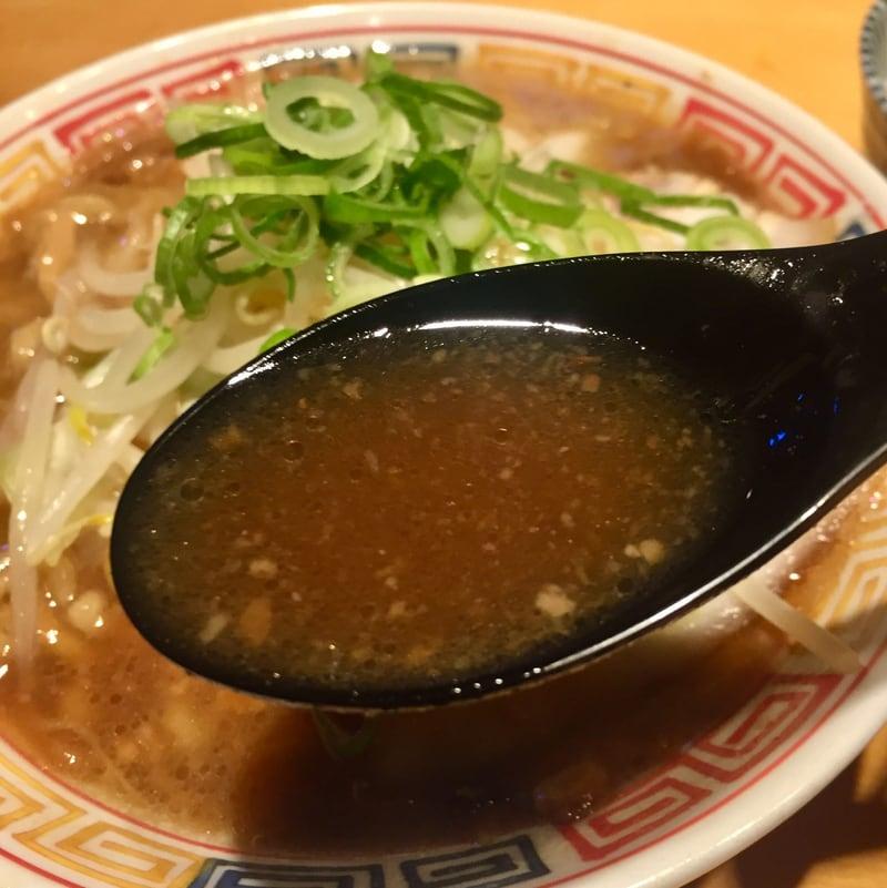 麺ハウス こもれ美 ヘルズキッチン1周忌法要 宮城県黒川郡大衡村 煮込背脂ソバ スープ