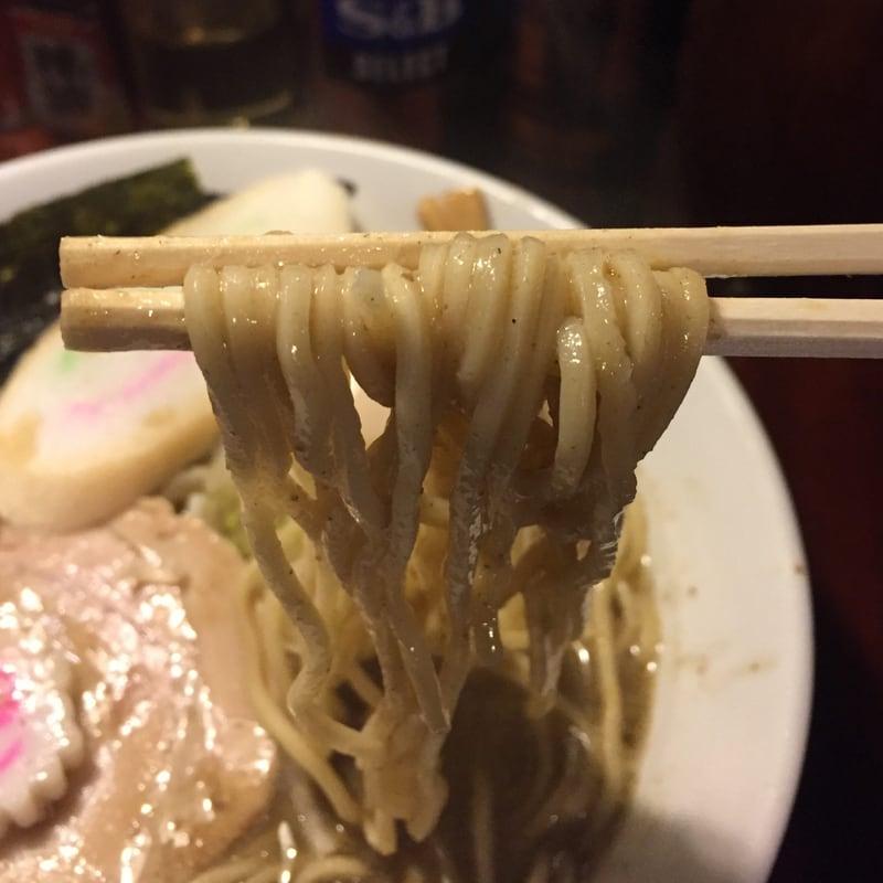 一球 秋田県秋田市手形 五代目煮干そば「極」改 超濃厚豚骨鶏白湯 麺