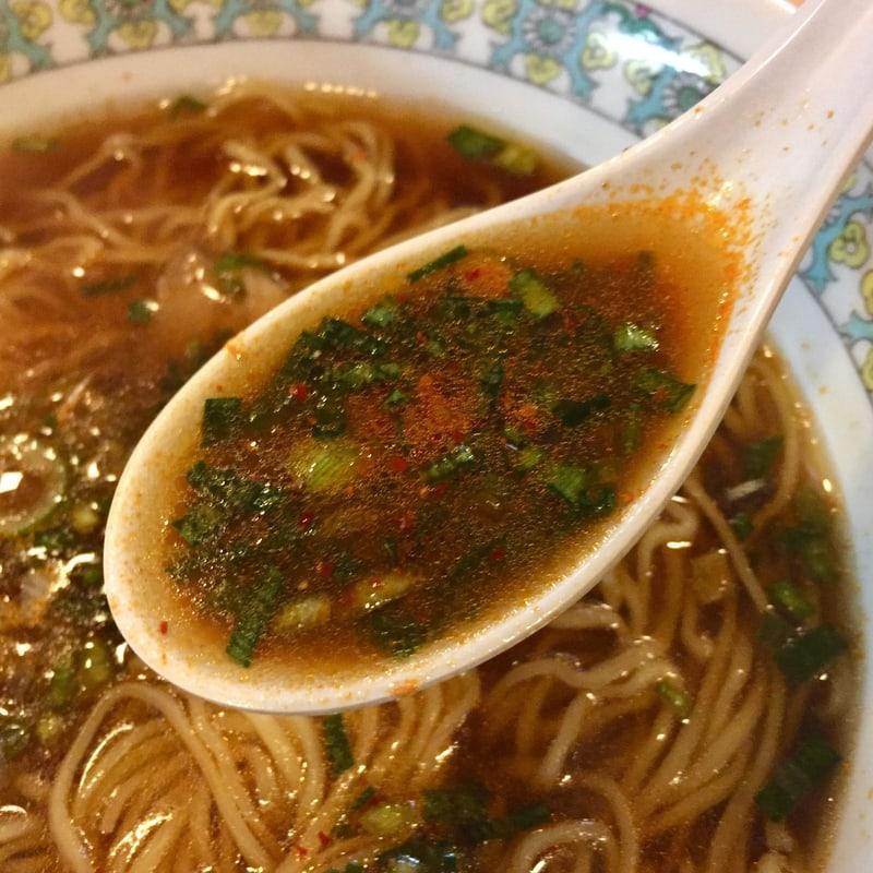 らーめん小江戸 秋田県秋田市泉中央 ラーメン 並 辛味多め スープ