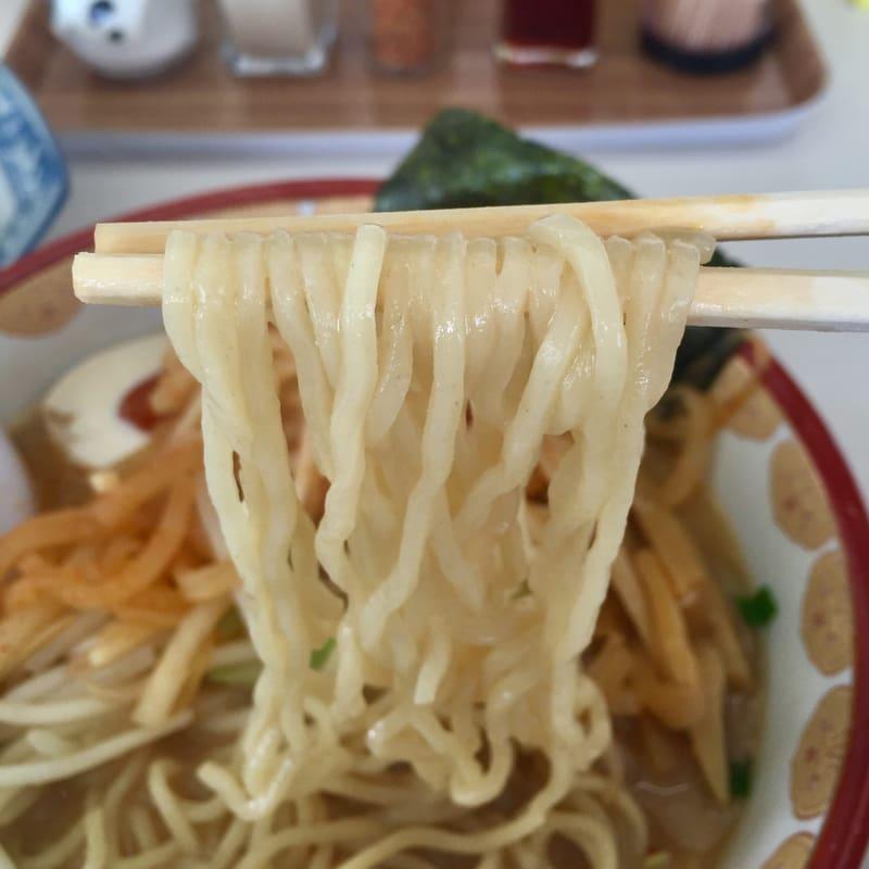 ラーメン神蔵 十文字店 秋田県横手市十文字町 味噌ダイコン ピリ辛 麺