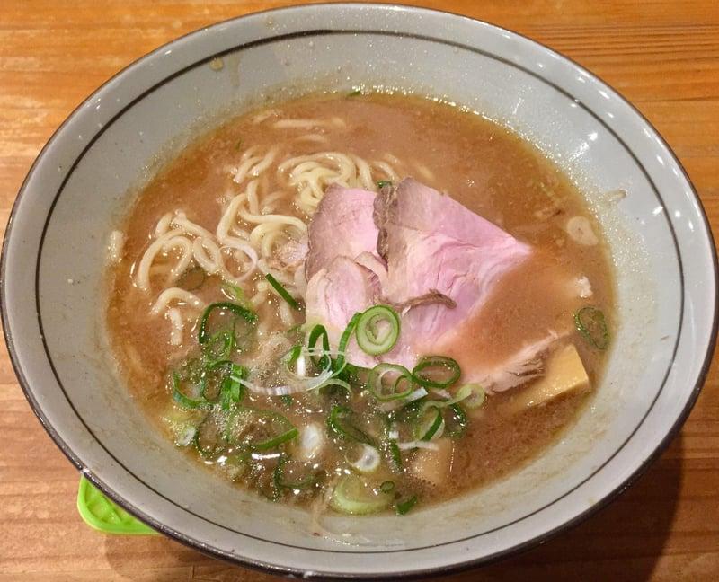 まりお流らーめん 奈良県奈良市尼辻町 まりお煮干し正油 豚骨煮干し
