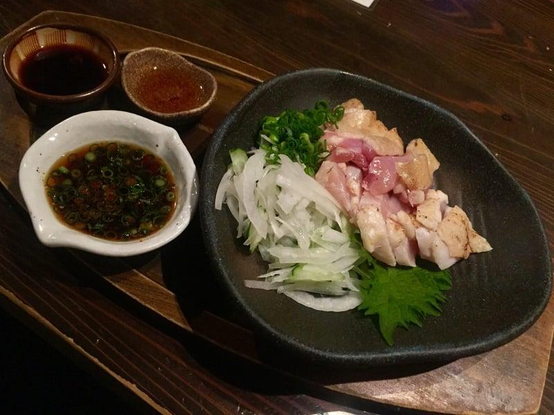 肉問屋 どでん舌 秋田県秋田市中通 赤鶏のタタキ