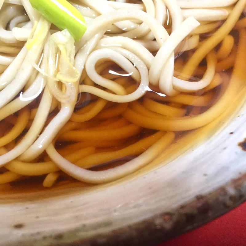 そば屋 彦三 ひこさ 秋田県雄勝郡羽後町西馬音内 冷やがけそば 冷たいぶっかけ蕎麦 スープ