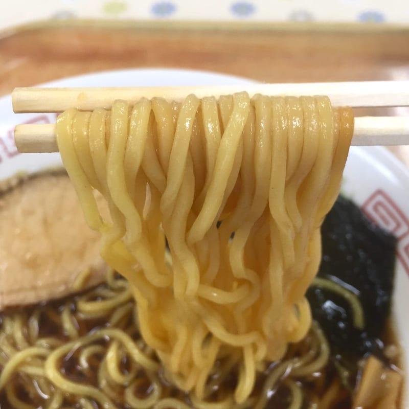 ドジャース食堂 秋田県秋田市手形 黒醤油ラーメン 鶏唐揚付 麺