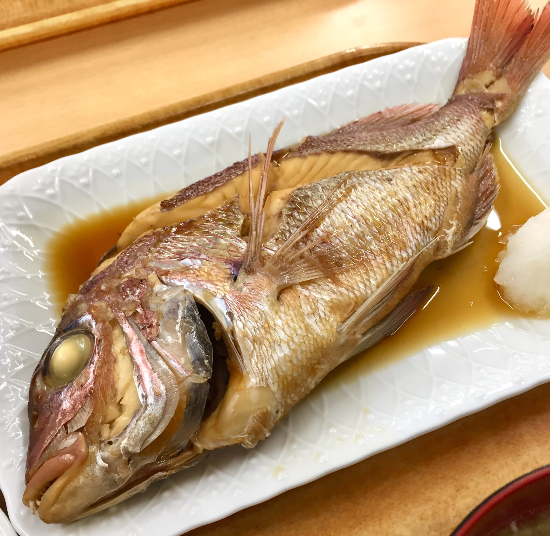 お食事処 海鮮屋 秋田県男鹿市船川港 煮魚定食B タイ 鯛