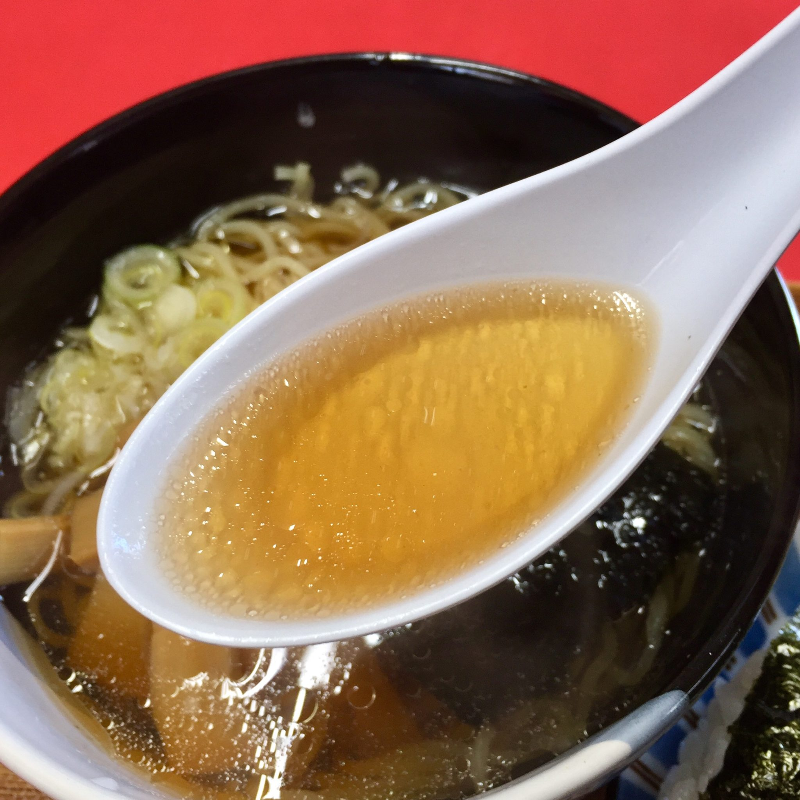熊谷商店 駅前食堂 秋田県由利本荘市東鮎川 半ラーメンおにぎりセット 醤油ラーメン スープ
