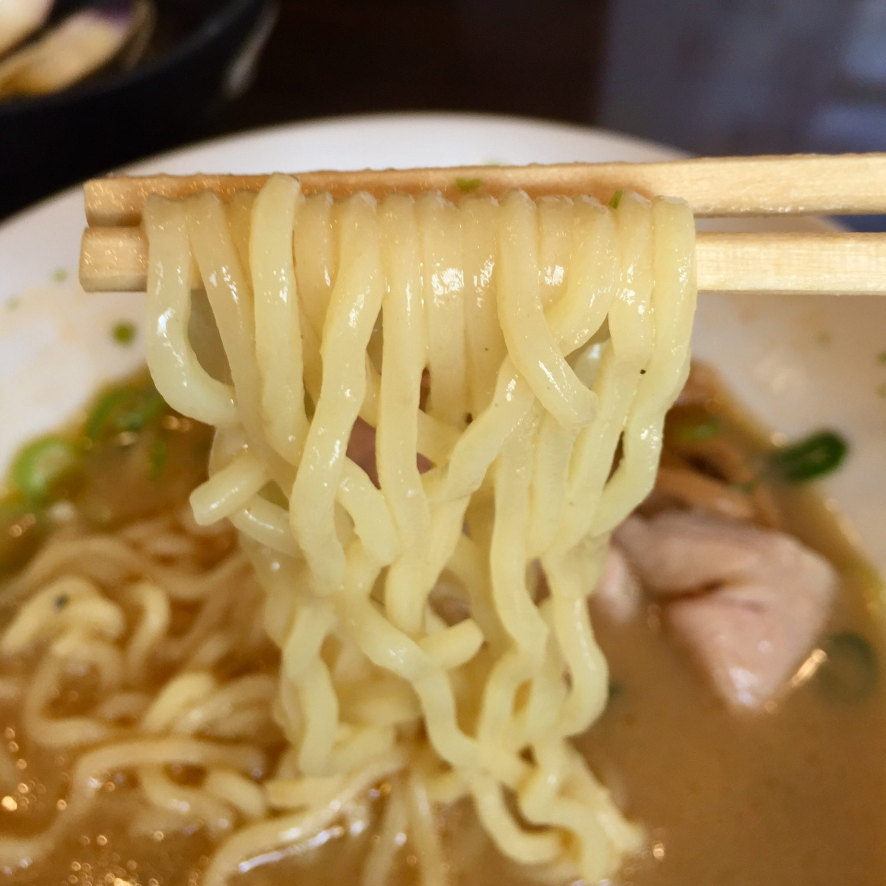 ラゥメン大地 秋田県秋田市東通 辛味噌らぅめん 辛味噌ラーメン 麺