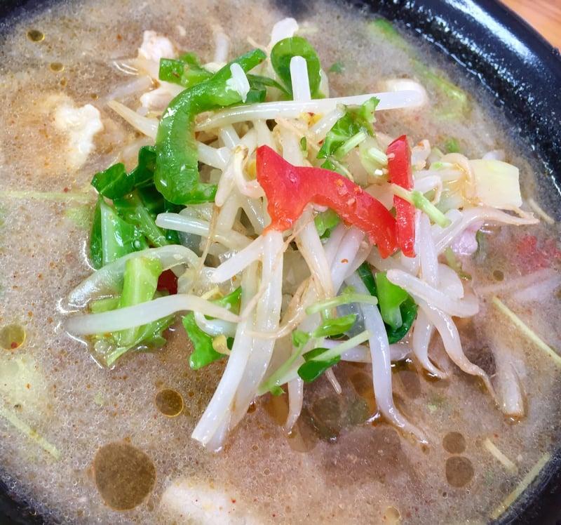 お食事処 じいじ亭 秋田県横手市寿町 冷たいスープ 冷た〜いラーメン サラダ付 具