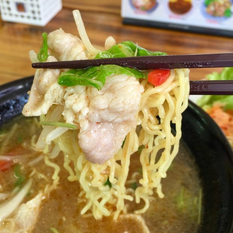 お食事処 じいじ亭 秋田県横手市寿町 冷たいスープ 冷た〜いラーメン サラダ付 麺