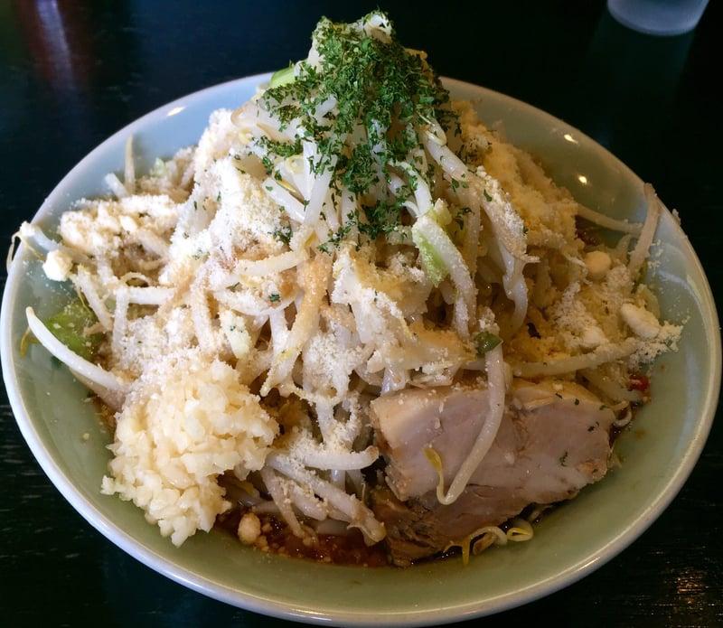 ラーメン マシンガン 秋田県秋田市広面 トマトラーメン パルメザンチーズ