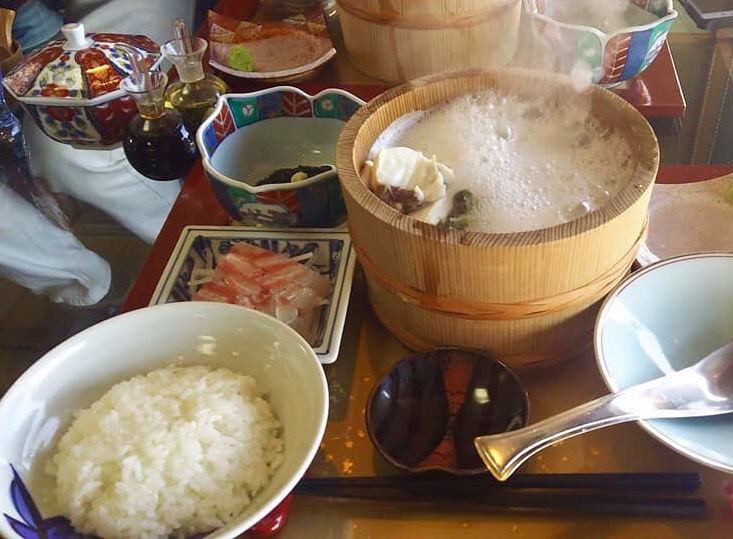 元祖石焼き 美野幸 みのこう 秋田県男鹿市北浦入道崎 天然真鯛の石焼定食