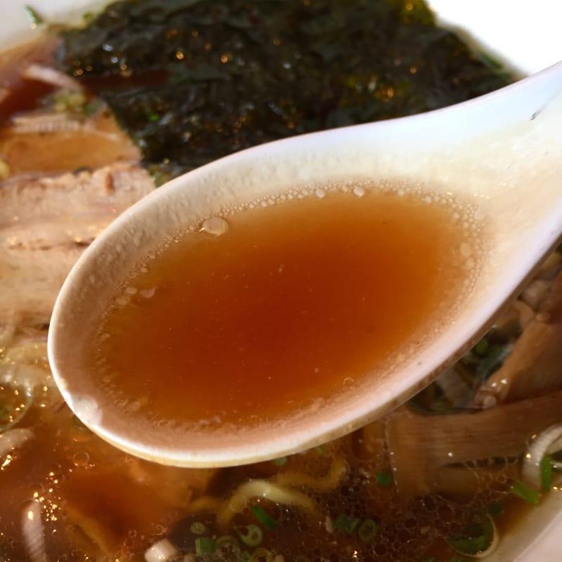 中華の台所 喰べちゃいな 秋田県秋田市寺内 ご当地 十八番系ラーメン 中華そば 醤油味 スープ