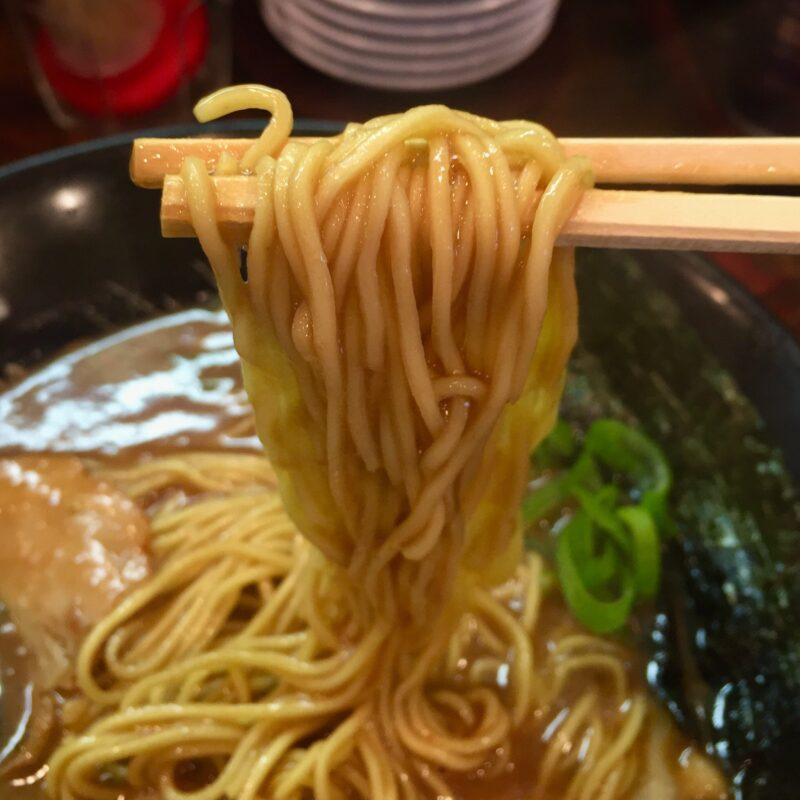 金澤濃厚中華そば 神仙 石川県金沢市西念 濃厚中華そば 麺