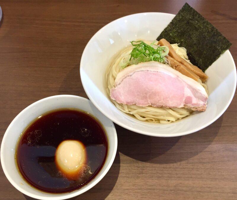NOODLE SHOP KOUMITEI 香味亭 秋田県横手市婦気大堤 鶏の旨味香る淡麗つけ昆布水バージョン 麺