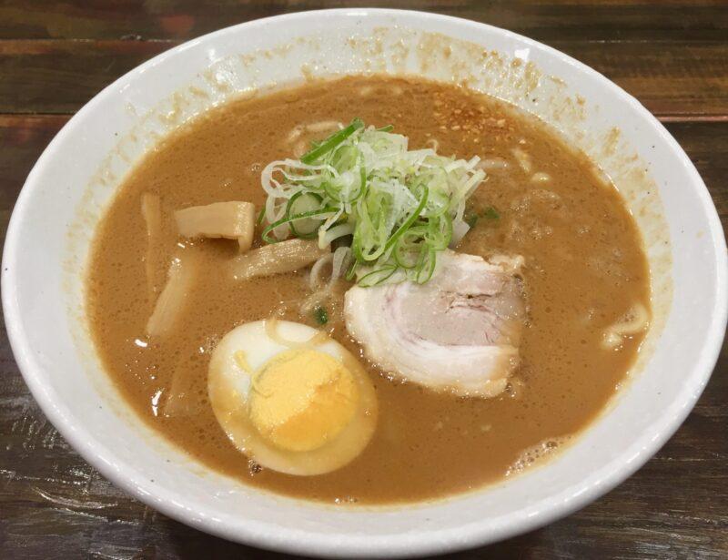 らーめん ともや 秋田県横手市四日町 牛豚鶏みそらーめん 味噌ラーメン