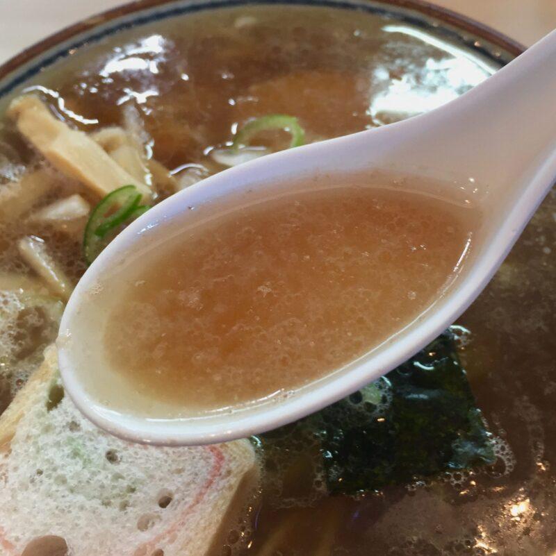 長寿軒 本店 秋田県湯沢市大町 ご当地ラーメン 油田系ラーメン 醤油ラーメン スープ