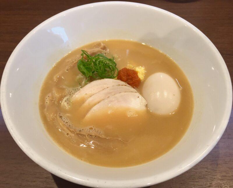 NOODLE SHOP KOUMITEI 香味亭 秋田県横手市婦気大堤 洋風な鶏白湯 マー油和え玉 替え玉付き