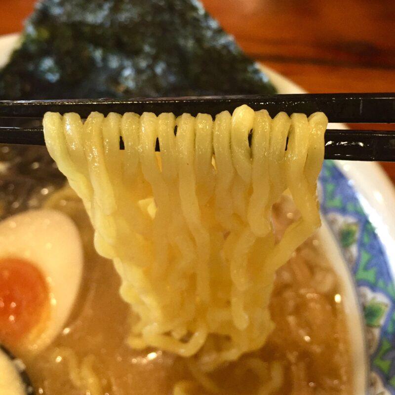 ラーメンめん丸 広面店 秋田県秋田市広面 コテッぱニンニク 麺