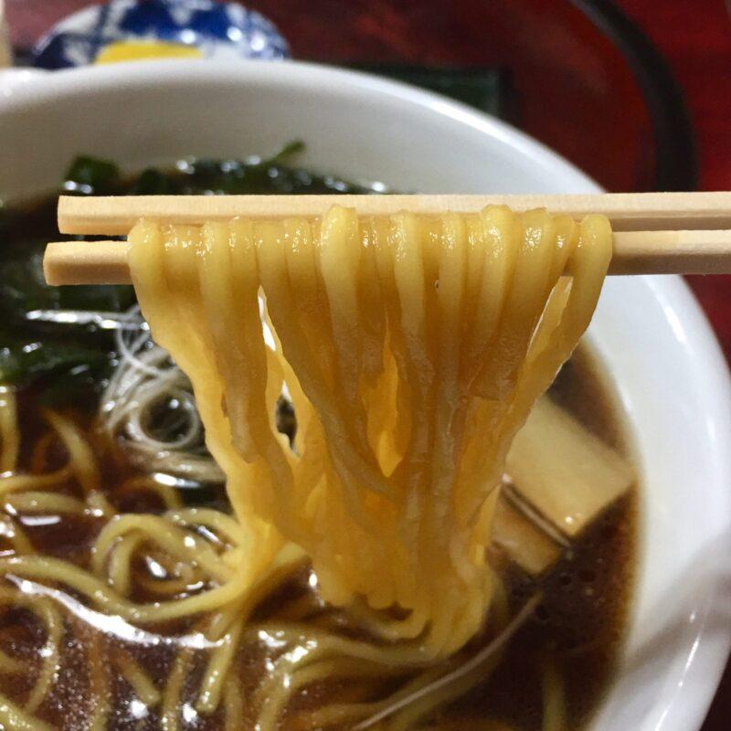 焼肉みつなし 秋田県湯沢市三梨町 醤油ラーメン 麺