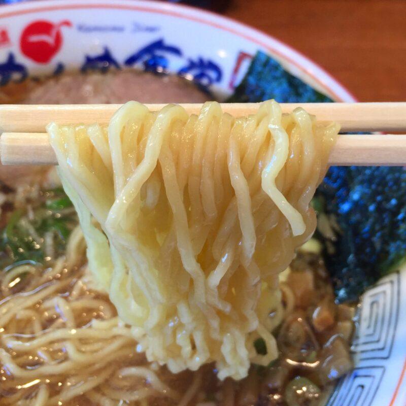かもめ食堂 宮城県気仙沼市港町 かもめラーメン(醤油味) 醤油ラーメン 麺