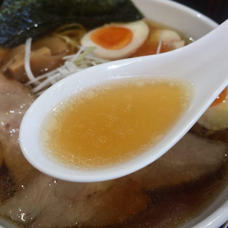 麺や食堂 味斗 あじと 秋田県秋田市土崎港東 醤油ラーメン スープ