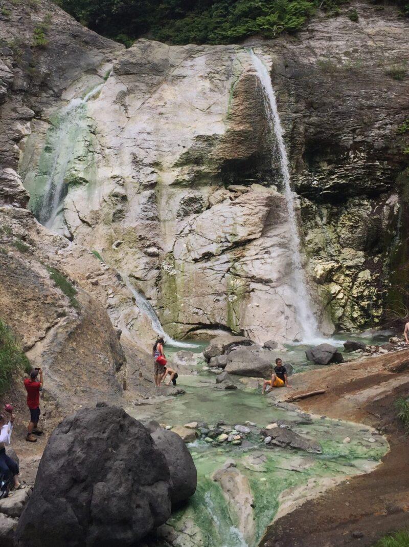 川原毛大湯滝 秋田県湯沢市高松 湯の滝 滝壺温泉