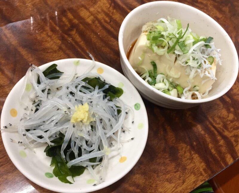 永楽食堂 お食事処永楽 秋田県秋田市中通 お通し 生しらす 豆腐