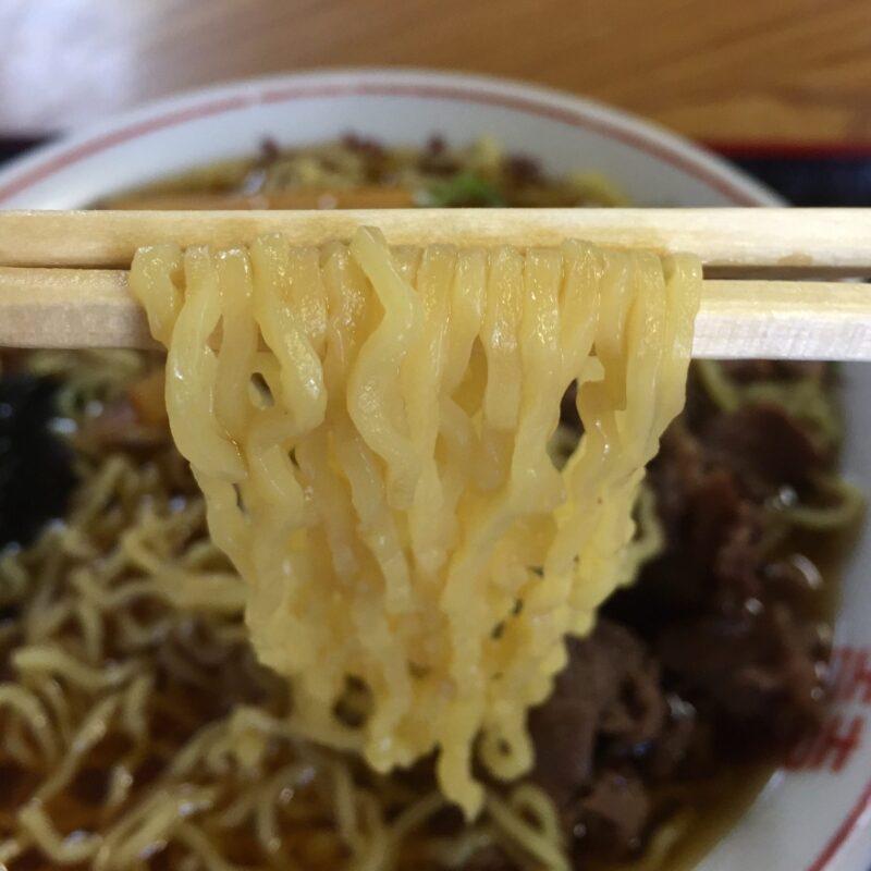 大衆食堂 秋田県大館市比内町扇田 馬肉ラーメン 麺