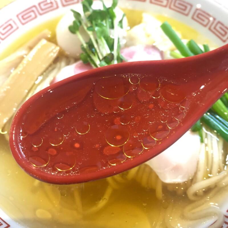 自家製麺 くろ松 群馬県高崎市柳川町 松・特級中華そば 白醤油 スープ