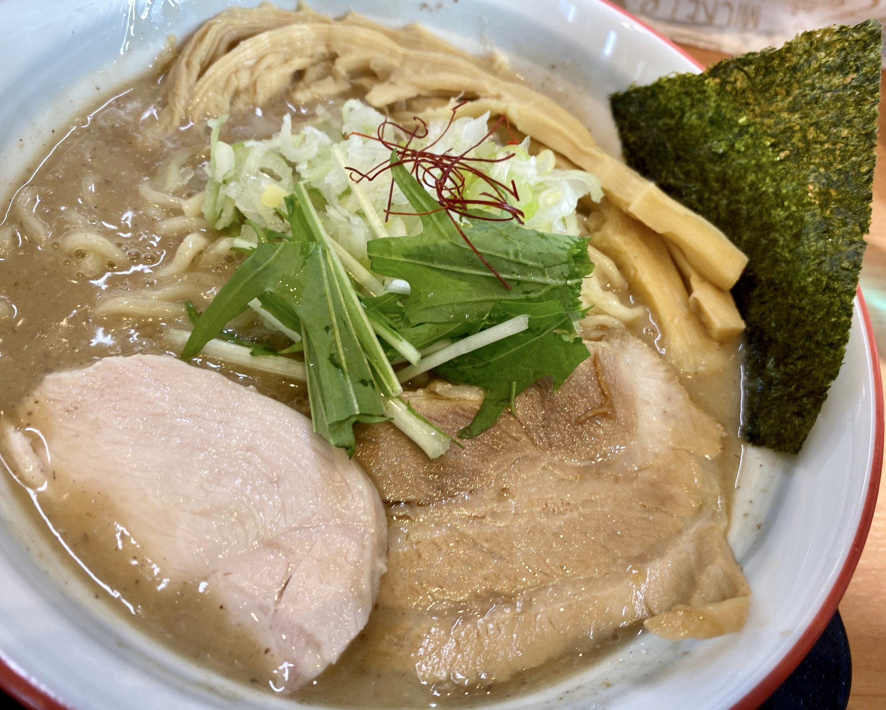 麺や陽風 はるかぜ 山形県山形市清住町 鶏豚魚介白湯 濃厚 具
